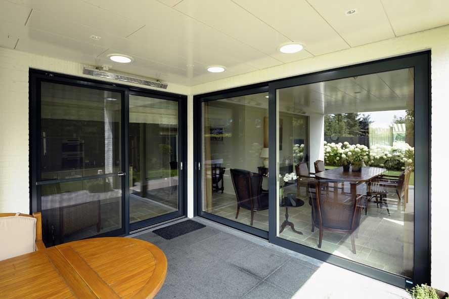 Nieuwbouw, aluminium hefschuifpui kozijnen zonwering, Stiphout (1)