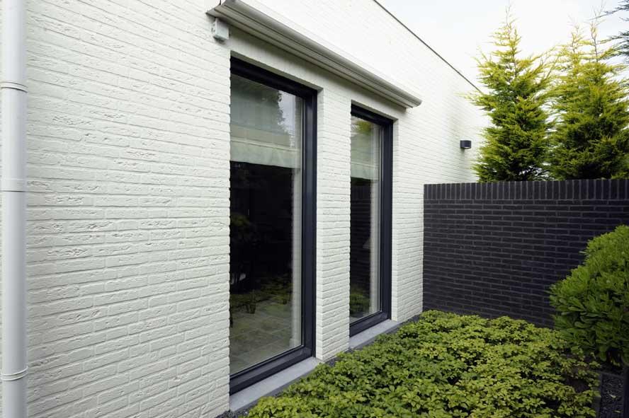 Nieuwbouw, aluminium hefschuifpui kozijnen zonwering, Stiphout (4)