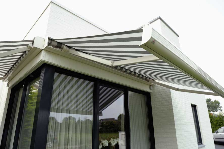 Nieuwbouw, aluminium hefschuifpui kozijnen zonwering, Stiphout (6)