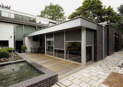 Nieuwbouw, aluminium voordeur/kozijnen, lichtstraat en zonwering in Roermond