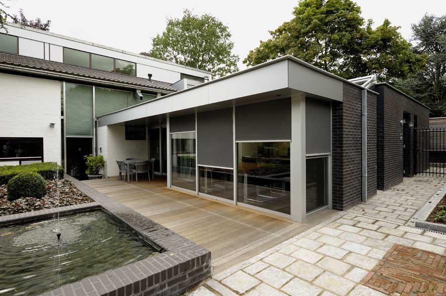 Nieuwbouw, aluminium voordeur kozijnen lichtstraat zonwering, Roermond (2)