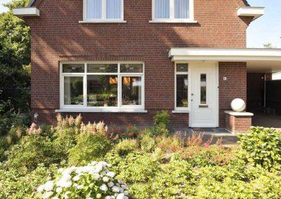 Nieuwbouw, kunststof kozijnen, openslaande tuindeuren en horren in Panningen