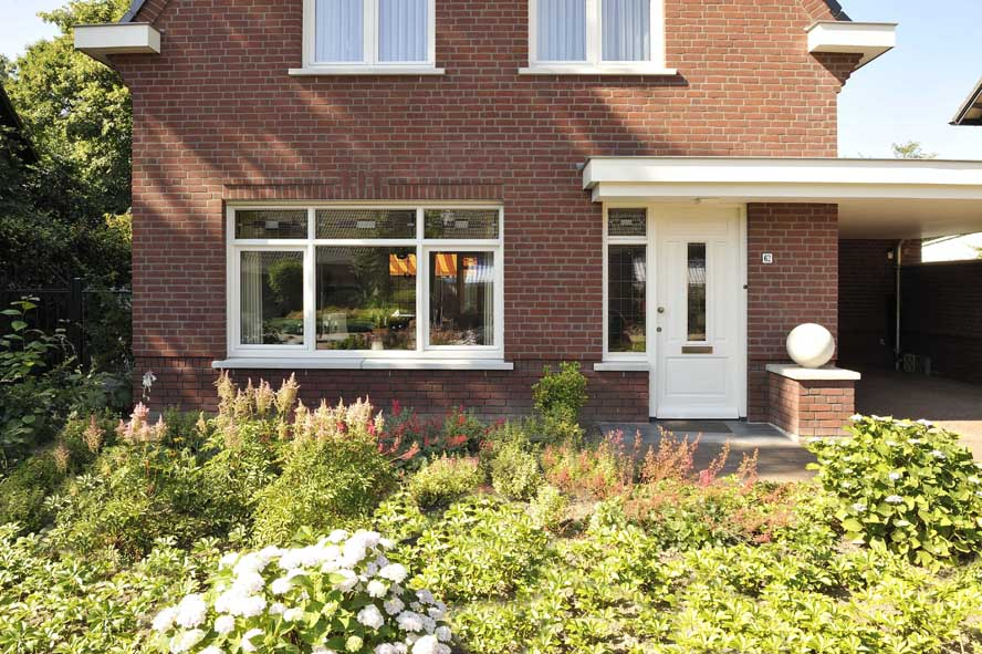 Nieuwbouw, kunststof kozijnen openslaande tuindeuren horren, Panningen (1)