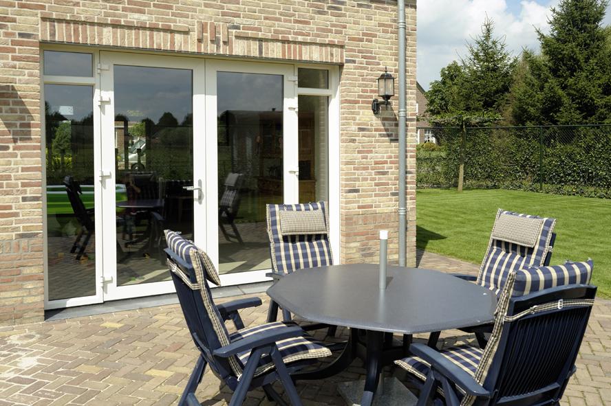 Nieuwbouw, openslaande tuindeuren en kunststof kozijnen in Egchel (6)