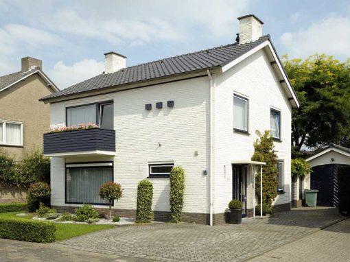 Renovatie, aluminium deuren en kozijnen in Weert