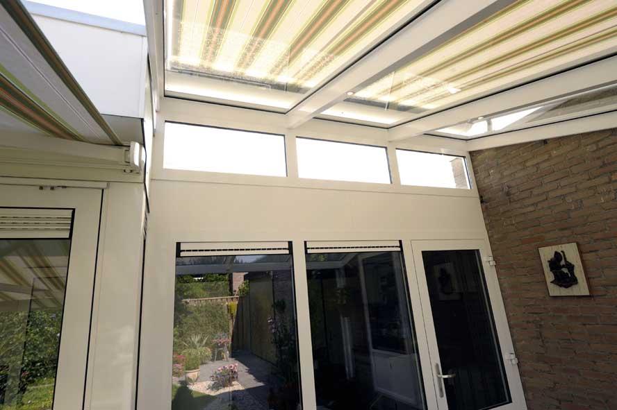 Renovatie, aluminium garagedeuren hefschuifpui overkapping zonwering, Helden (1)
