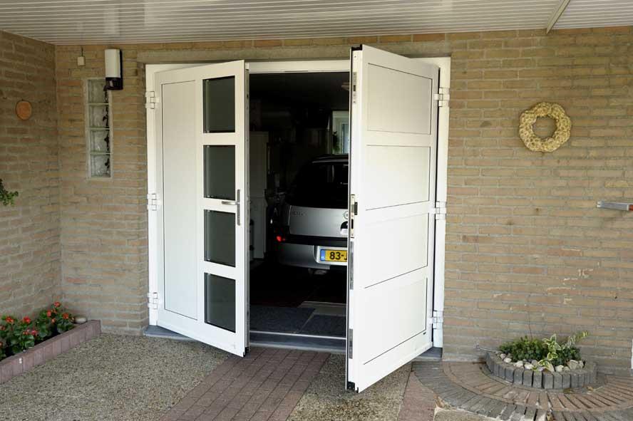 Renovatie, aluminium garagedeuren hefschuifpui overkapping zonwering, Helden (4)