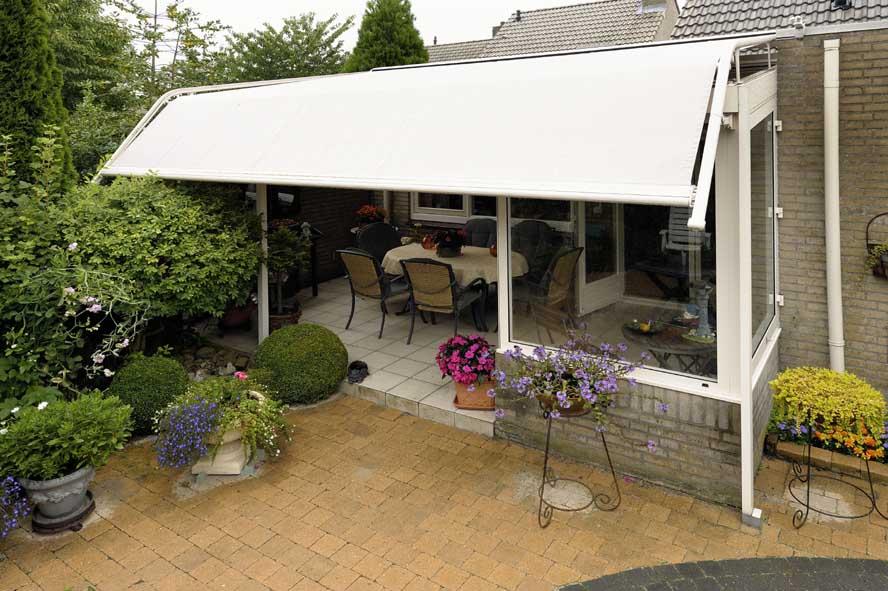 Renovatie, aluminium overkapping zonwering, Venlo (1)