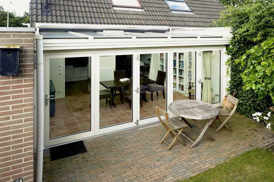 Renovatie, aluminium vouwwanden serre zonwering, Waalwijk (1)