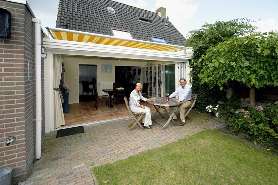Renovatie, aluminium vouwwanden serre zonwering, Waalwijk (5)