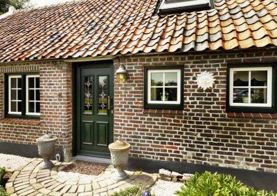 Renovatie, kunststof kozijnen en deuren in Swartbroek