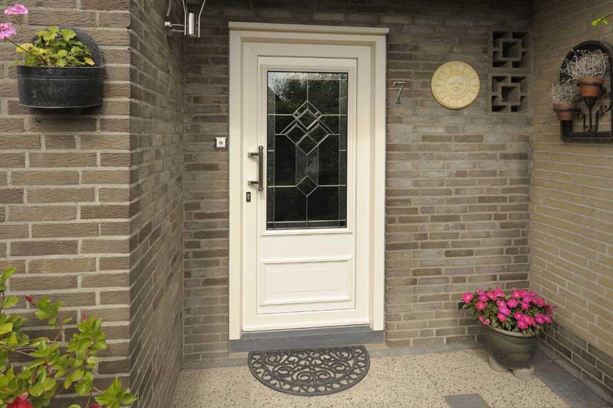 Renovatie, kunststof voordeur kozijnen, Andel (2)