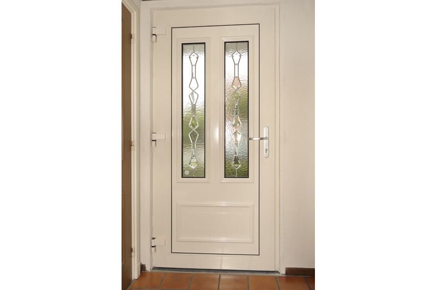 Renovatie,-kunststof-voordeur-kozijnen,-Lottum-(3)