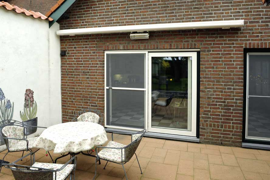 Renovatie, kunststof voordeur kozijnen hefschuifpui horren, Sint Joost (1)