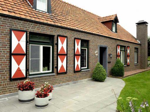 Renovatie, kunststof voordeur/kozijnen, schuifpui en horren in Sint Joost