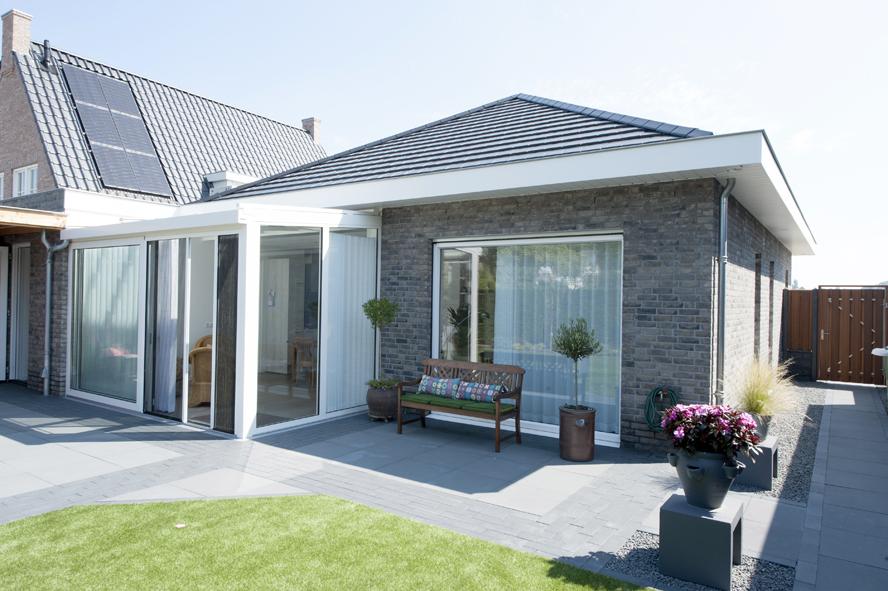 Nieuwbouw, kunststof kozijnen, kunststof voordeur, aluminium serre, zonwering, rolluiken in Vlijmen (6)
