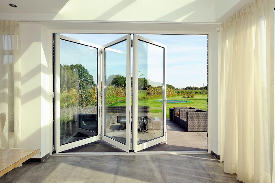 Nieuwbouw, kunststof voordeur, kunststof kozijnen, kunststof achterdeur, aluminium lichtstraat en aluminium vouwwand in Panningen (11)