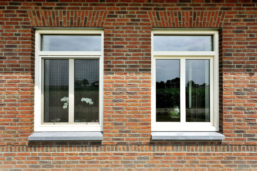 Nieuwbouw, kunststof voordeur, kunststof kozijnen, kunststof openslaande tuindeuren, kunststof achterdeur en horren in Grashoek (2)