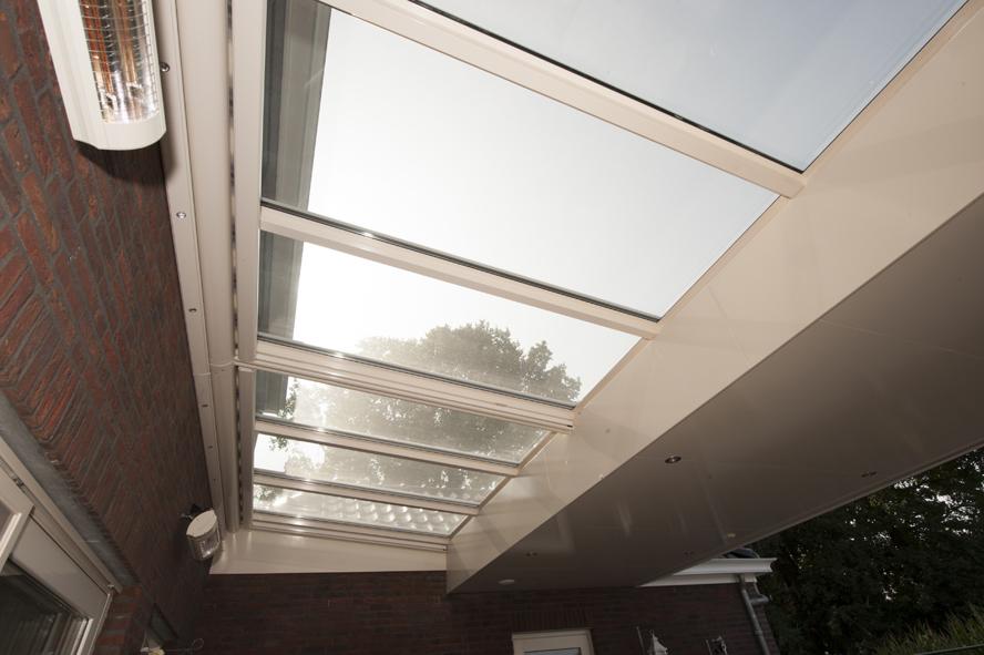 Nieuwbouw, kunststof voordeur, kunststof kozijnen, schuifpui, openslaande tuindeuren, aluminium lichtstraat, zonwering in Gastel (7)