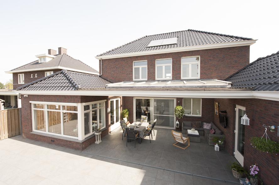 Nieuwbouw, kunststof voordeur, kunststof kozijnen, schuifpui, openslaande tuindeuren, aluminium lichtstraat, zonwering in Gastel (9)