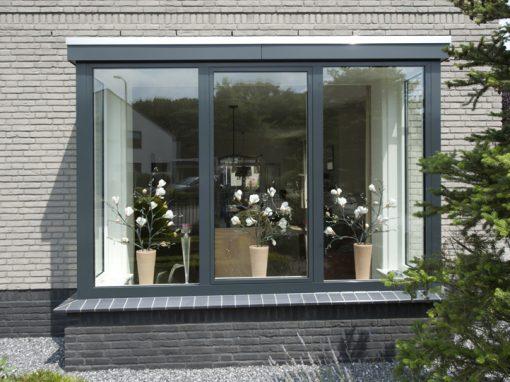 Renovatie, aluminium kozijnen en aluminium voordeur in Helmond