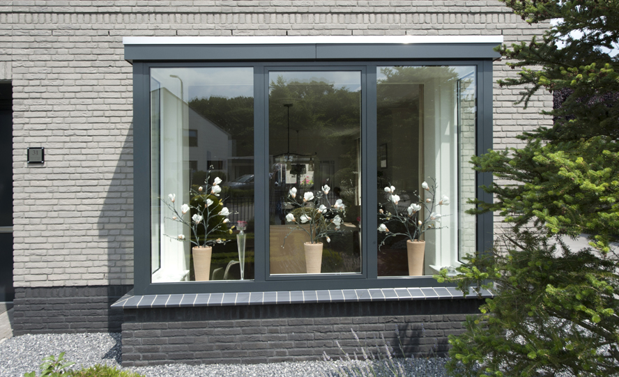 Renovatie, aluminium voordeur en aluminium kozijnen in Helmond (2)