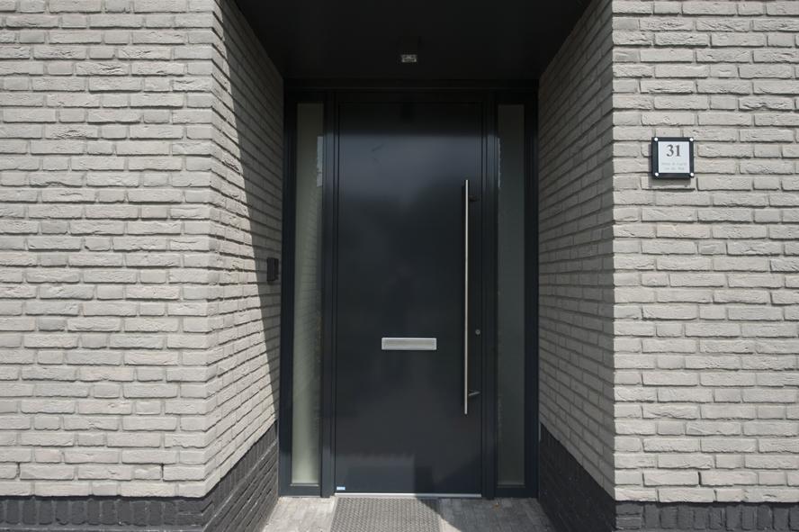 Renovatie, aluminium voordeur en aluminium kozijnen in Helmond (3)