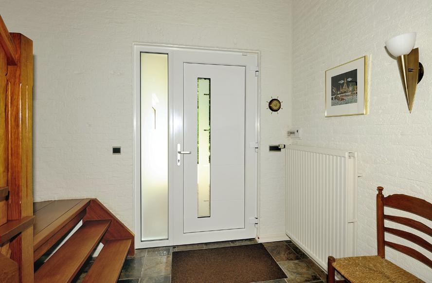 Renovatie, aluminium voordeur, kunststof kozijnen, hefschuifdeur en horren in Maarheeze (3)