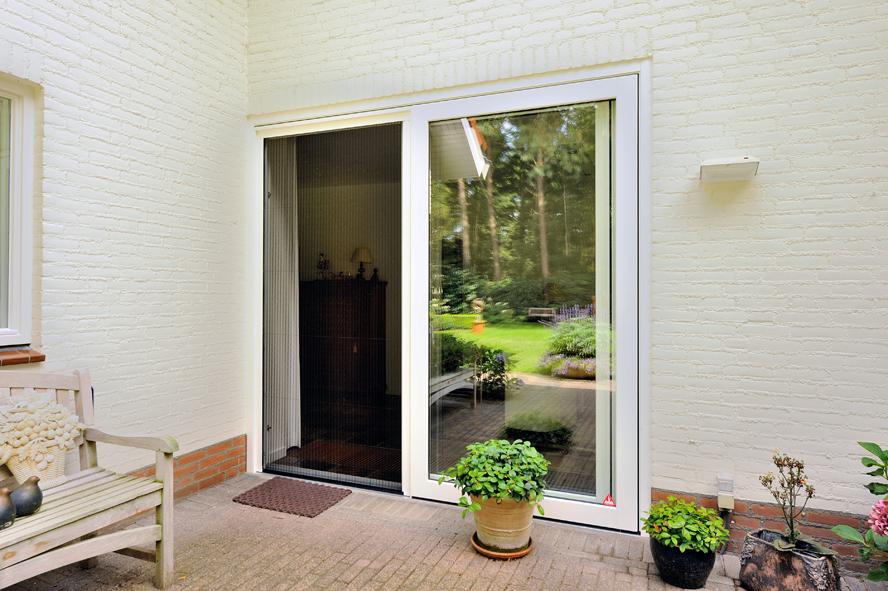 Renovatie, aluminium voordeur, kunststof kozijnen, hefschuifdeur en horren in Maarheeze (4)