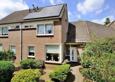 Renovatie, kunststof kozijnen, aluminium voordeur, kunststof achterdeur, horren en rolluiken in Venlo