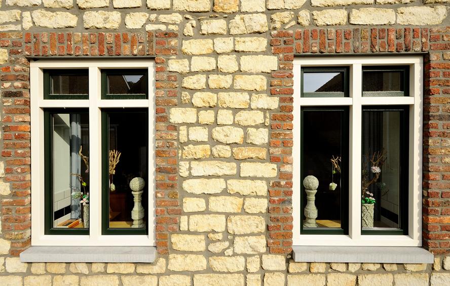 Renovatie, kunststof kozijnen en kunststof achterdeur in Ransdaal (2)