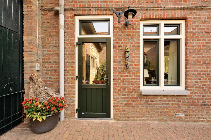 Renovatie, kunststof kozijnen en kunststof achterdeur in Ransdaal (6)