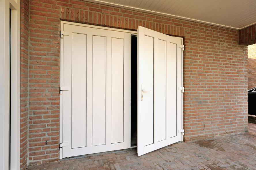 Renovatie, kunststof voordeur en garagedeur in Weert (1)