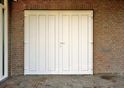 Renovatie, kunststof voordeur en garagedeur in Weert