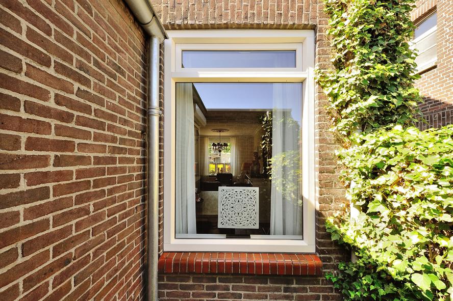 Renovatie, kunststof voordeur, kunststof kozijnen en kunststof openslaande tuindeuren in Reuver (3)