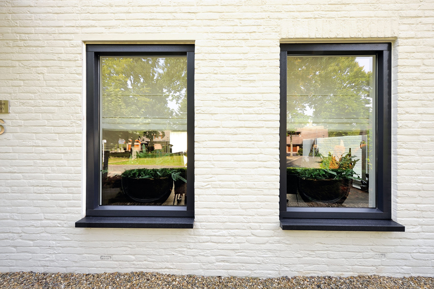 Renovatie, kunststof voordeur, kunststof kozijnen en schuifpui in Heerlen (2)