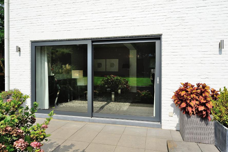 Renovatie, kunststof voordeur, kunststof kozijnen en schuifpui in Heerlen (7)