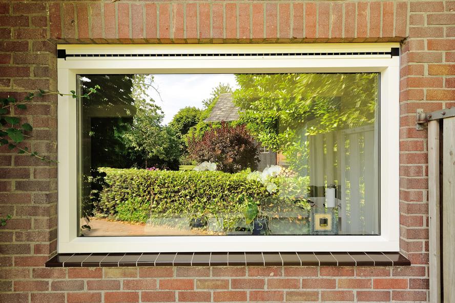 Renovatie, kunststof voordeur, kunststof kozijnen, schuifpui en horren in Roermond (2)
