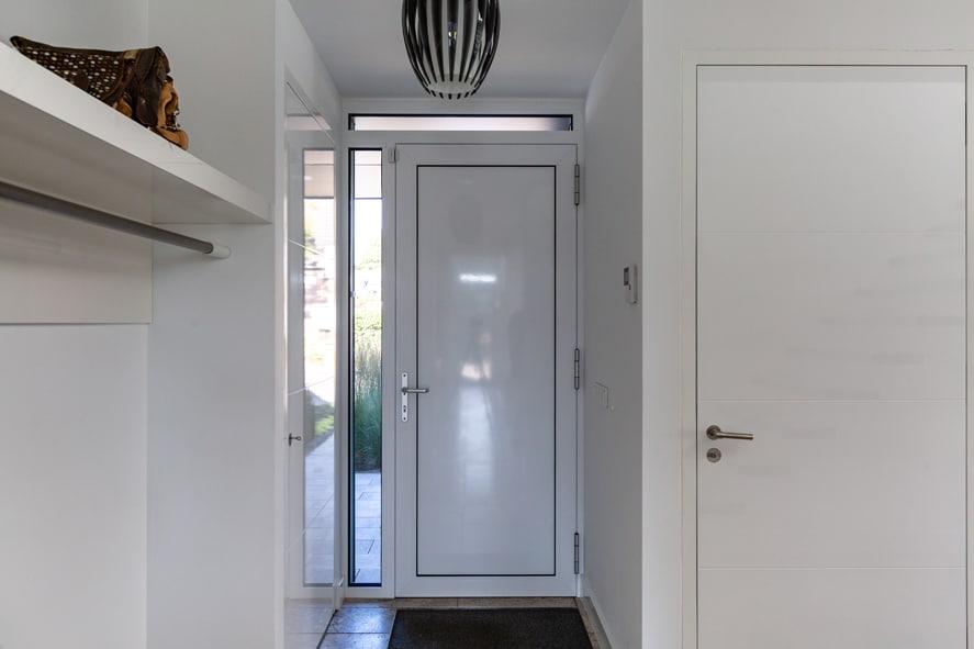 Nieuwbouw, aluminium kozijnen, aluminium deuren, serredak, screens, rolluiken in Deurne (16)