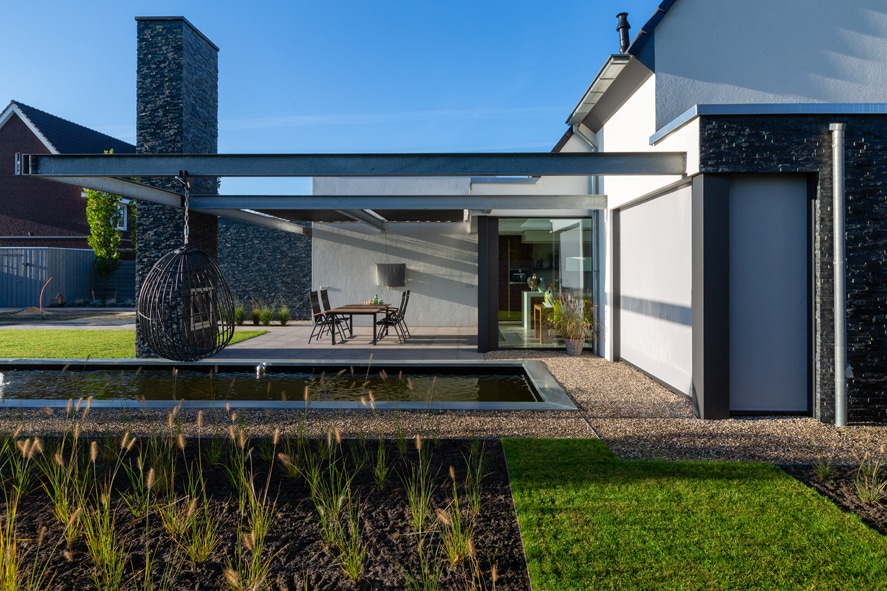Nieuwbouw, aluminium kozijnen, aluminium deuren, serredak, screens, rolluiken in Deurne (3)