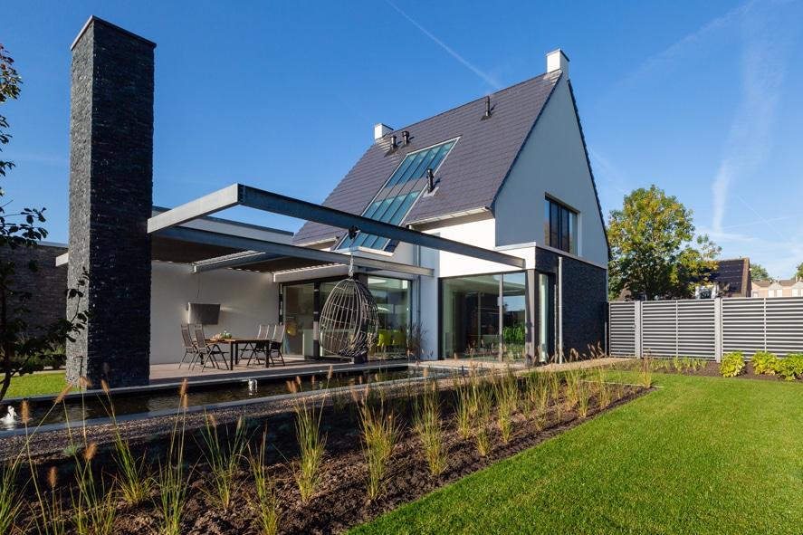 Nieuwbouw, aluminium kozijnen, aluminium deuren, serredak, screens, rolluiken in Deurne (5)