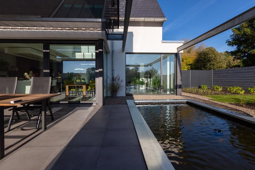 Nieuwbouw, aluminium kozijnen, aluminium deuren, serredak, screens, rolluiken in Deurne (7)