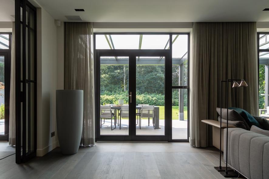 Nieuwbouw, aluminium kozijnen, staallook, aluminium deuren in Boxmeer (10)