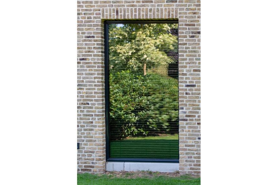 Nieuwbouw,-aluminium-kozijnen,-staallook,-aluminium-deuren-in-Boxmeer-(13)-min