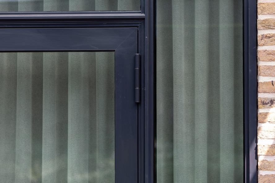 Nieuwbouw, aluminium kozijnen, staallook, aluminium deuren in Boxmeer (15)