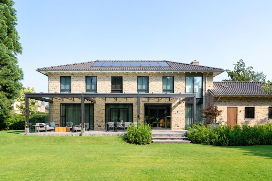Nieuwbouw, aluminium kozijnen, staallook, aluminium deuren in Boxmeer (6)
