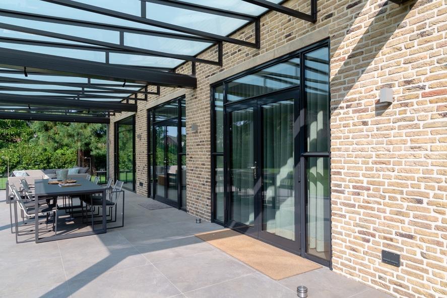 Nieuwbouw, aluminium kozijnen, staallook, aluminium deuren in Boxmeer (7)