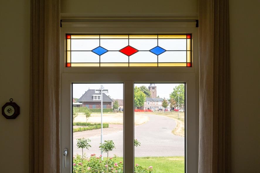 Nieuwbouw, kunststof kozijnen, kunststof deuren, glas-in-lood, rolluiken, horren in Castenray (10)