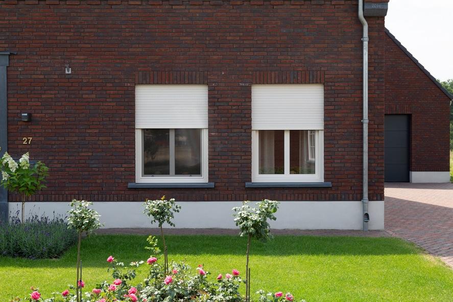 Nieuwbouw, kunststof kozijnen, kunststof deuren, glas-in-lood, rolluiken, horren in Castenray (11)