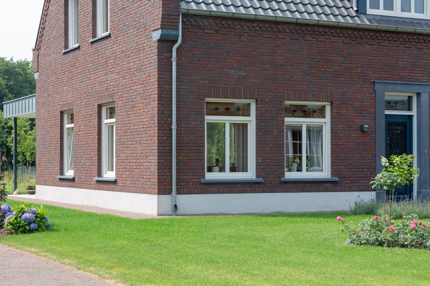 Nieuwbouw, kunststof kozijnen, kunststof deuren, glas-in-lood, rolluiken, horren in Castenray (4)